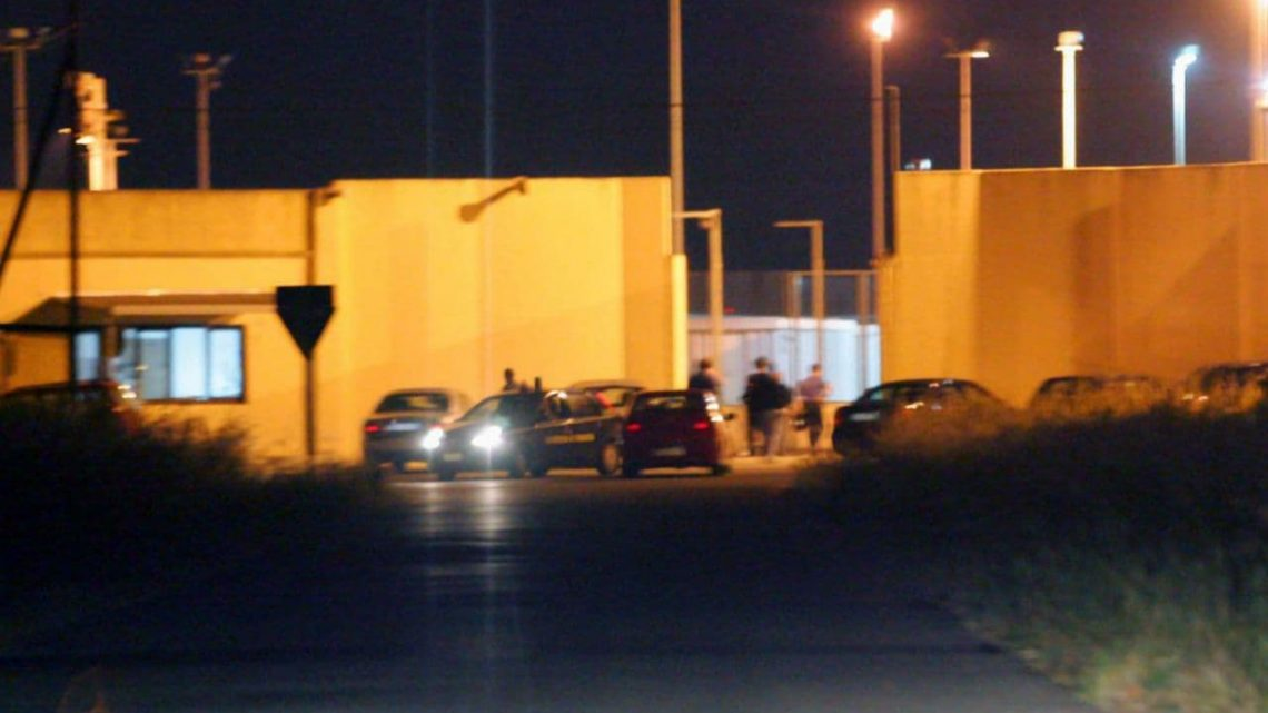 Brindisi-Restinco detention center: two nights of revolt
