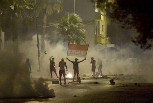 Tunisie : la colère dans les quartiers populaires éclate à nouveau